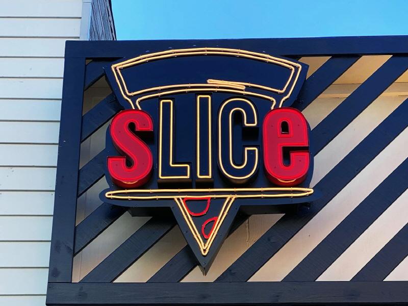 Slice Pizza LED Neon (2)